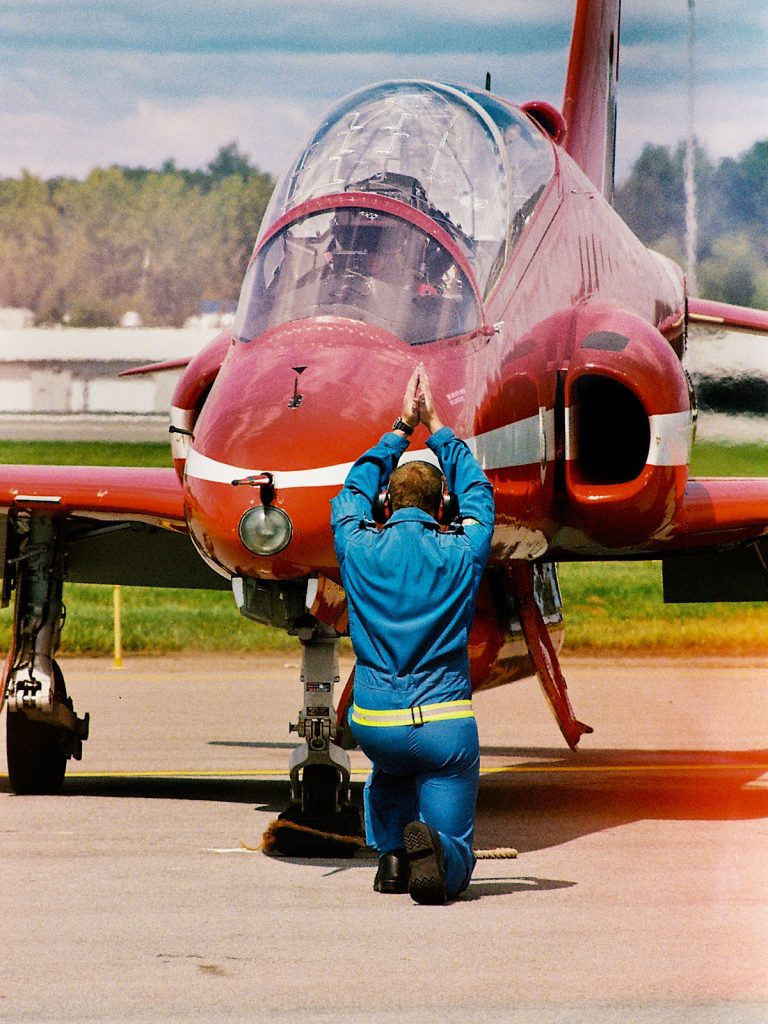 5 Frames at an Airshow with the OM-1n and the Zuiko 300mm - By Ed Lara