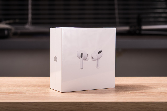 Experience AirPods Pro: In-ear design, active noise cancellation, superior sound quality compared to normal AirPods - Photo 1.