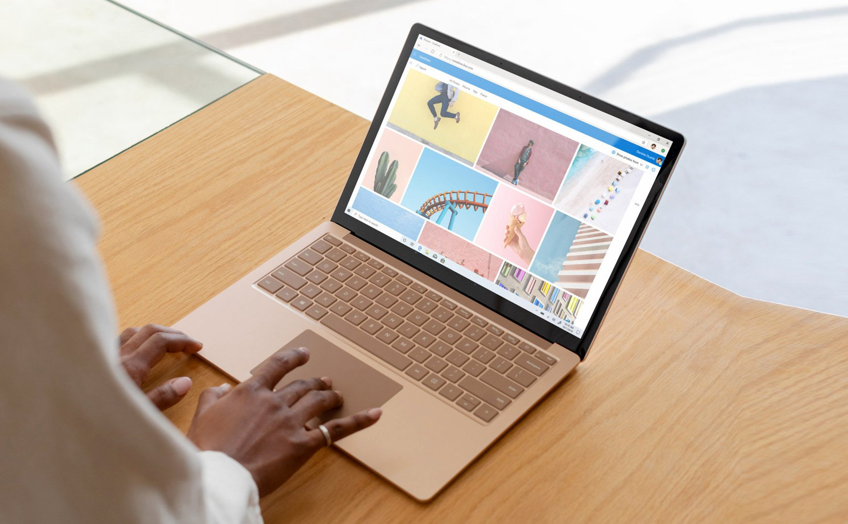 Loading cover_home_surface_laptop_3.jpg…