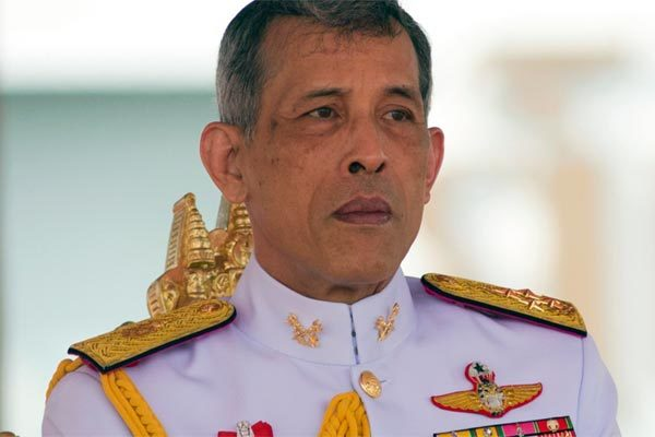 Thai King fired a series of courtiers