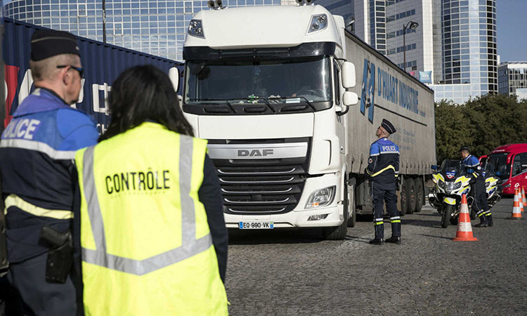 French officials periodically checked the truck on November 1. Photo: AFP.
