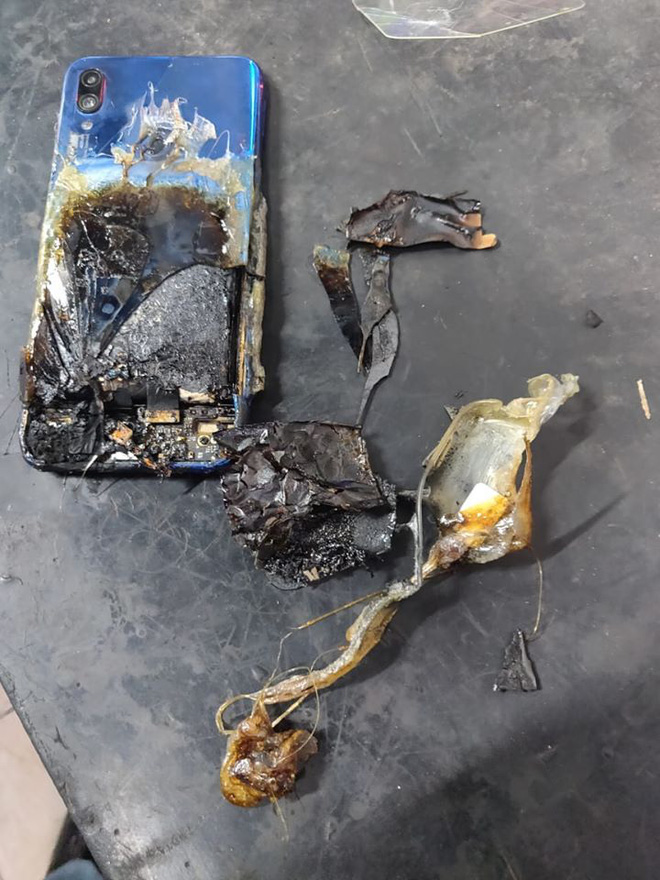 Redmi Note 7S spontaneously caught fire, Xiaomi refused to accept responsibility - Photo 1.