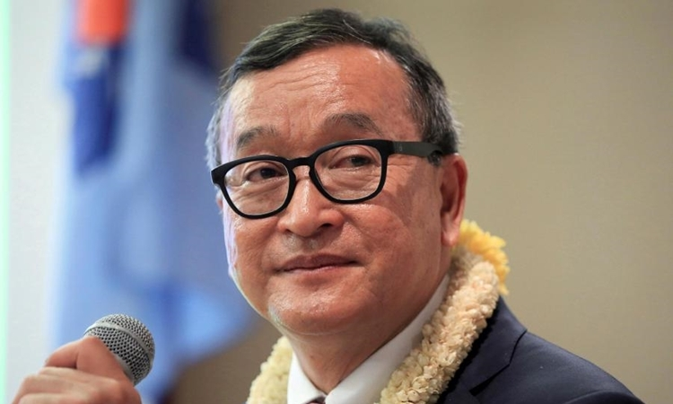 Sam Rainsy in the Philippines in June 2016. Photo: Reuters.