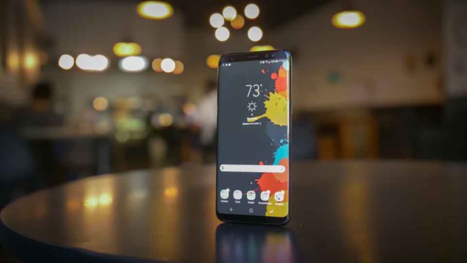 """Sforum - Latest technology information page Galaxy-S8-co-the-do-len-Android-10-1 Surprisingly, Samsung Galaxy S8 can be """"launched"""" Android 10"""