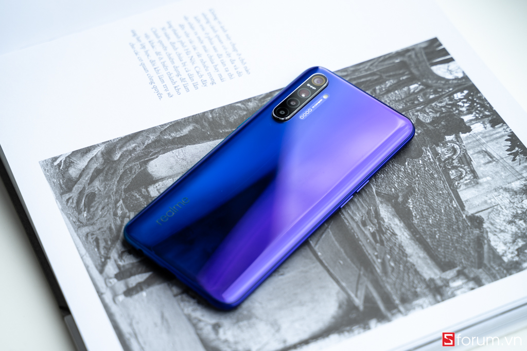 Sforum - Tren-tay-Realme-XT-4 latest technology information page Under 8 million VND, is Realme XT the most attractive choice at the moment?