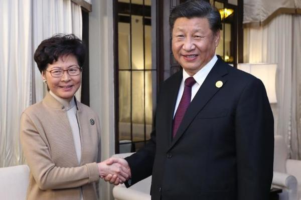 Xi unexpectedly met the Chief of the Hong Kong Special District, demanding an end to the violence