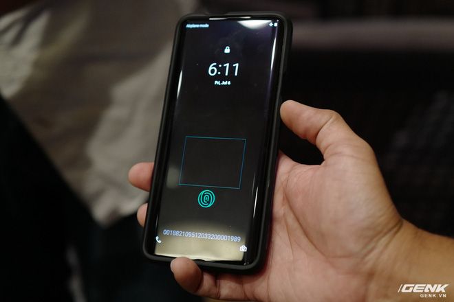 Experience fast Qualcomm 3D Sonic Max ultrasonic fingerprint sensor: 17 times larger area, enhance security thanks to 2-finger recognition, built-in heart rate reader right on the sensor - Photo 1.