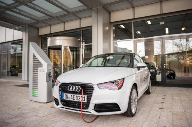 "Audi spent $ 13 billion on the ""electrification"" plan, setting the goal of having 20 all-electric cars by 2025 - Photo 1."