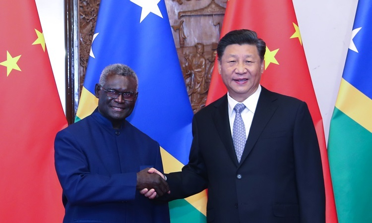 Chinese President Xi Jinping met with Solomon Islands Prime Minister Solomon Manasseh Sogavare in Beijing in October. Photo: Xinhua.