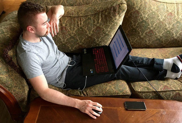 Habit of using harmful laptops can cause male gamers to be broken leading to infertility - Photo 1.
