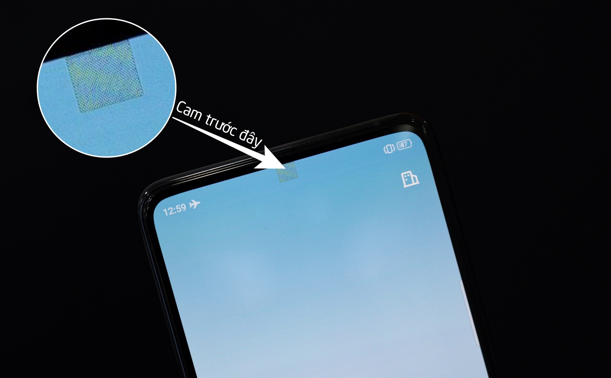 On the hand of Oppo phone is the camera located below the screen