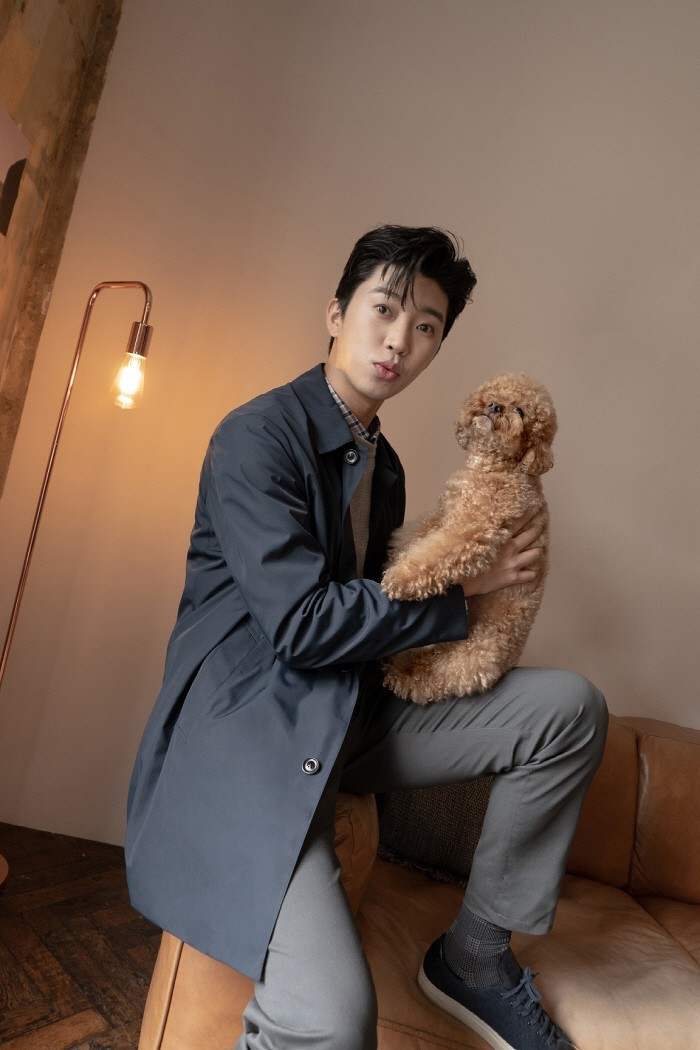 Lim Young-woong became a well-made advertising model...  'Romantic suit fit'
