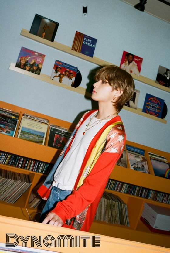 BTS V's fashion items'out of stock'..prove'Midas' hand'