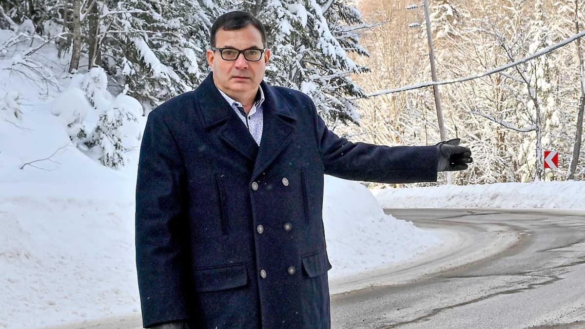 Quebec Superior Court forced to repair a road