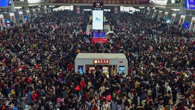 China started the migration season on the Lunar New Year, and the stations were unusually deserted