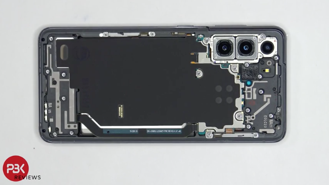 Components Galaxy S21 is arranged simply, easy to disassemble and repair