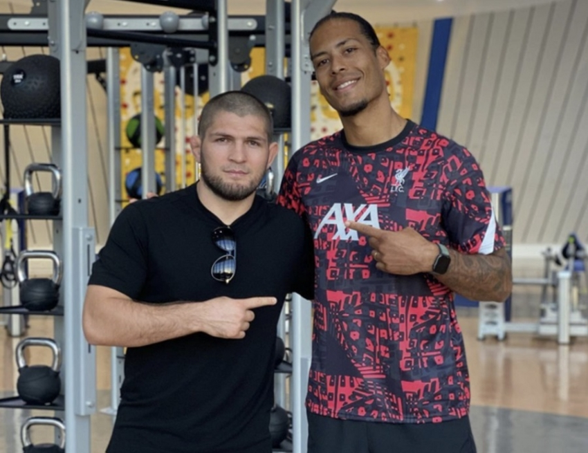 Khabib Nurmagomedov showed off a photo taken with Virgil van Dijk