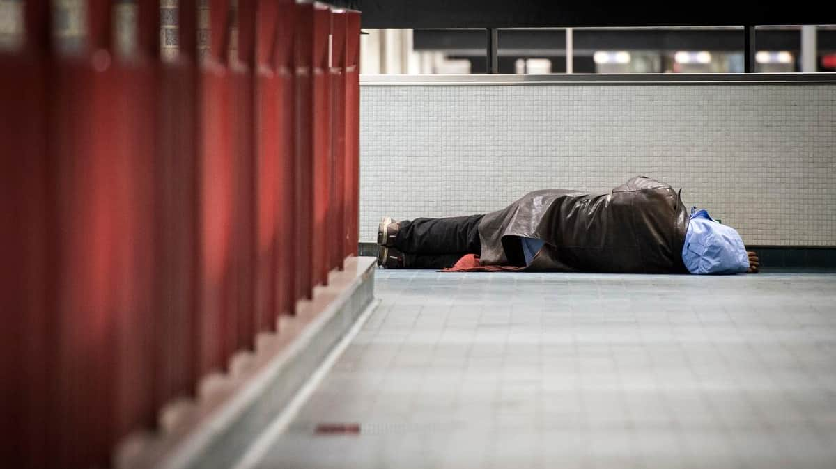 Suspension until February 5 Suspension of curfew for the homeless