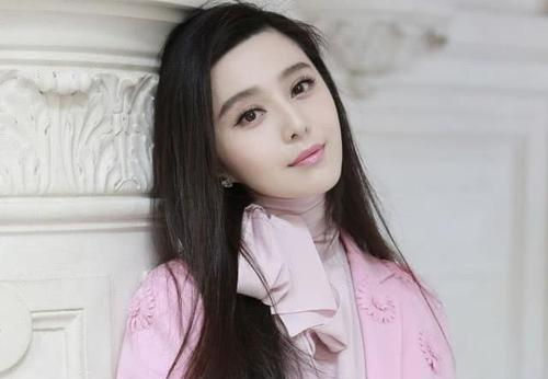 Fan Bingbing's accident again? The hotel was exposed for two days and one night with the billionaires, netizens: incredible