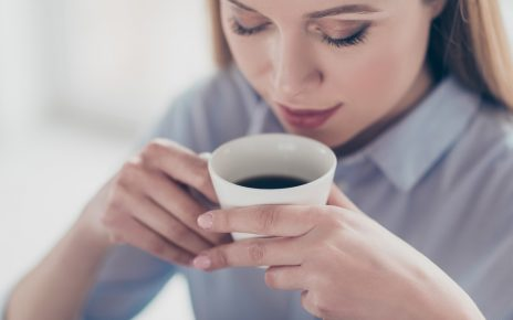 Coffee would reduce the risk of rosacea or rosacea