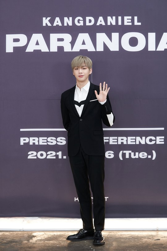 """'Paranoia' contains inner darkness... Kang Daniel """"I didn't want to hide"""" (Comprehensive)"""