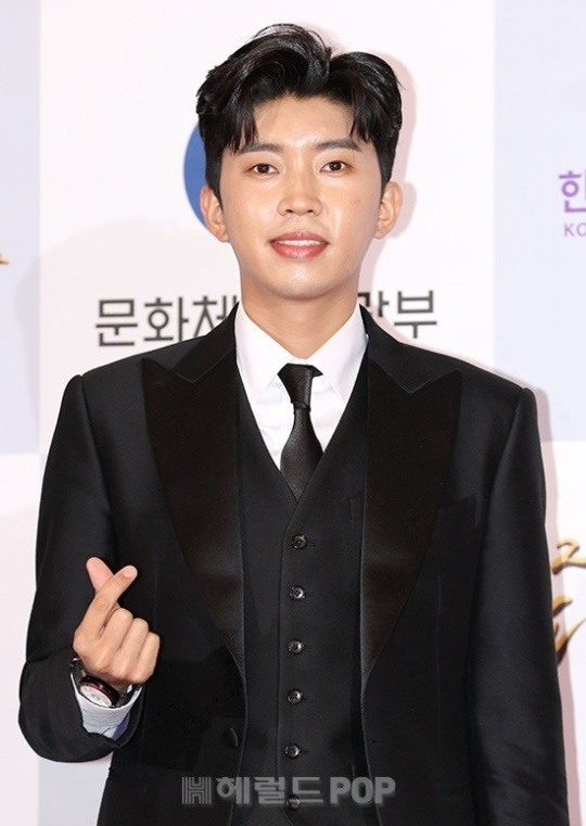 Lim Young-woong,'Star who wants to eat rice cake soup together for the New Year's holiday' ranked 1st.. 210,000 votes out of 250,000 votes'unique'