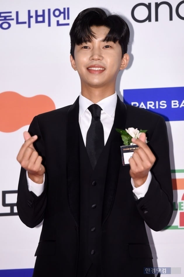 Lim Young-woong's'Mubit Awards' 3 crowns...  This year's song is'Now only believe in me'