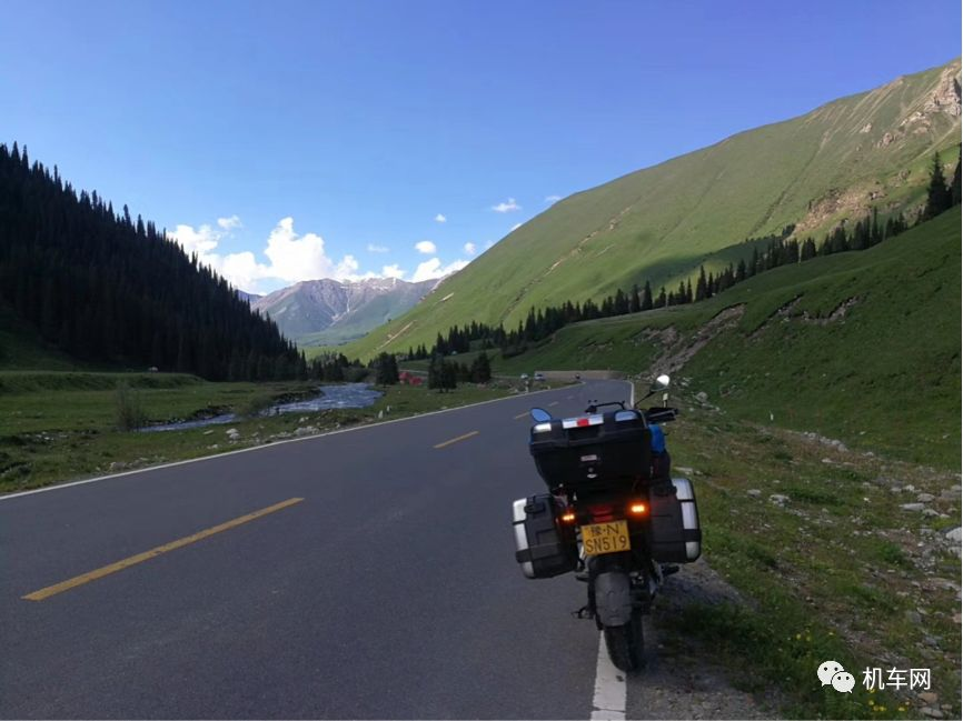 Too headstrong! Ask for a 15-day holiday for a motorcycle tour in Xinjiang, 13,000 kilometers!