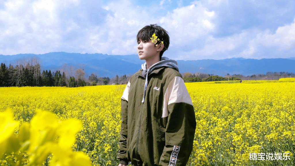 Every time I post a new song, I will ask my idol, Wang Yuan is simply a model of star chasing, let us envy