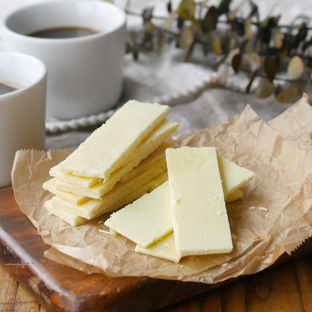 recipe With two ingredients.Old-fashioned milk cake