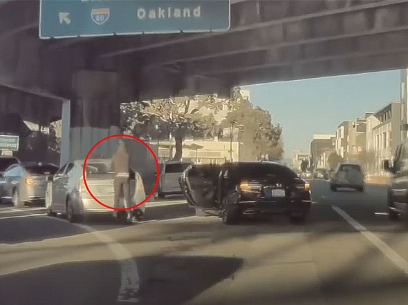Caught on video: Photographers robbed of $7,000 in gear while stuck in traffic in San Francisco: Digital Photography Review