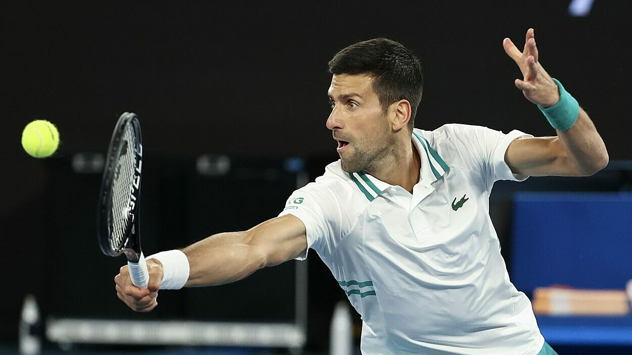 Djokovic is frequently suspected of fake injury.  Photo: AP.