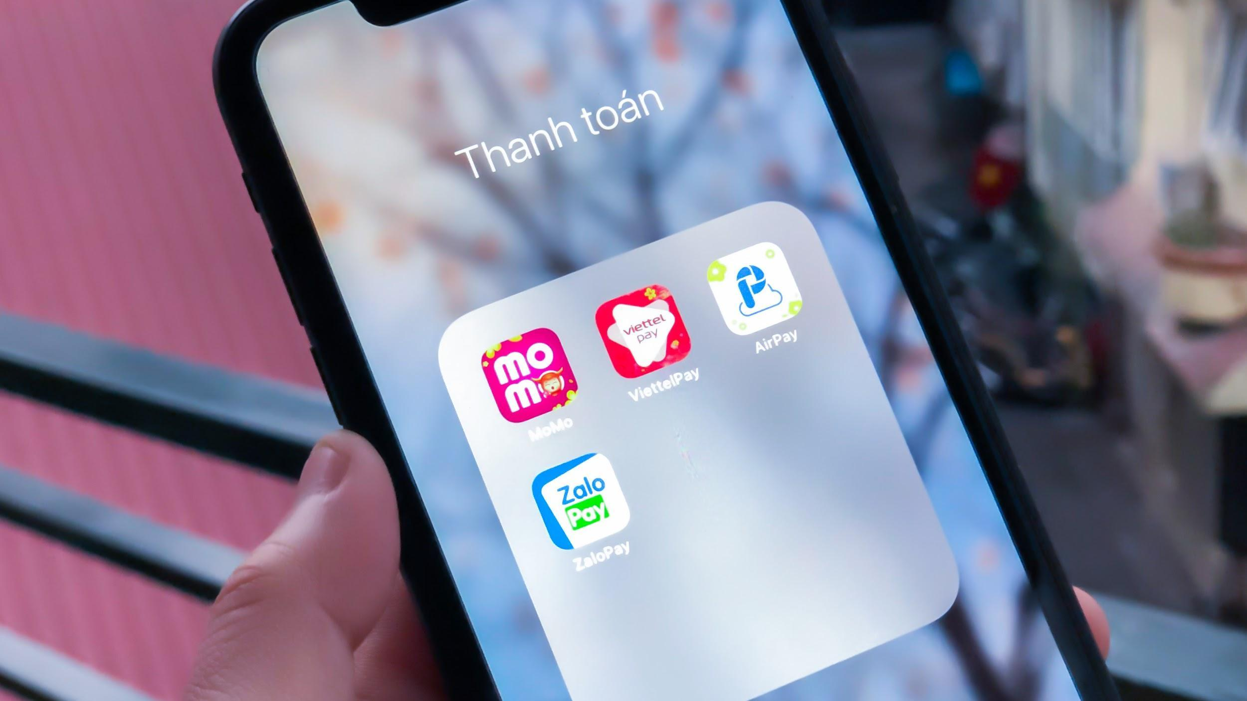 How many e-wallets do users need in their phone?  - VnReview