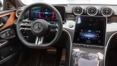 """2021.02.25.  44,981 read Completely changed 6th generation C class released... """"Baby S class""""       Auto Issue 67"""