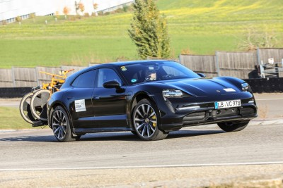 2021.02.24.  9,539 read Porsche Taycan Cross Turismo Motor Speedy revealed rigorous endurance testing process 17
