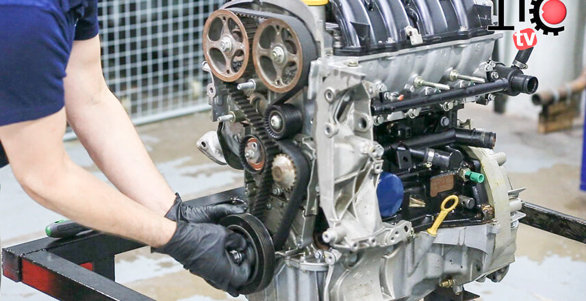 Working principle of automobile engine system