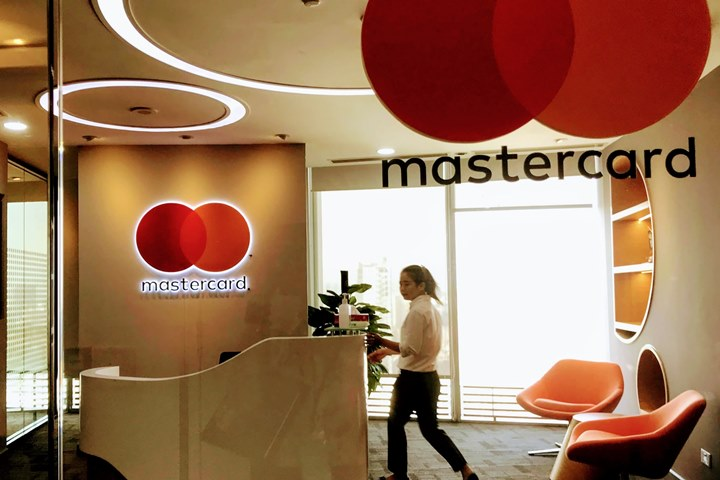 Not choosing to confront, Mastercard decided to cooperate with e-wallet in Vietnam to expand the market - VnReview