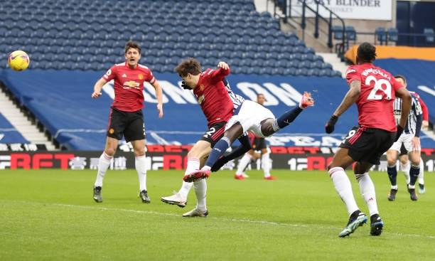Direct West Brom 1-0 MU: The first goal in Photo 1