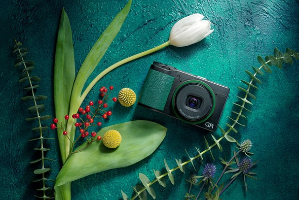 Ricoh launches limited-edition GR III 'GRowING' kit in China, with green accents and accessories: Digital Photography Review