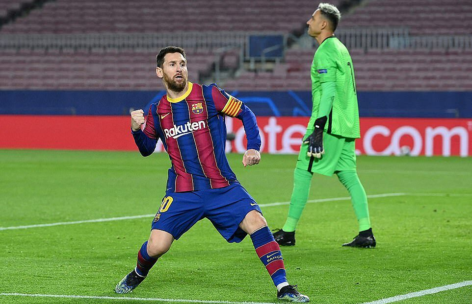 Messi was happy to open the score on the 11m mark.  Photo: AFP.
