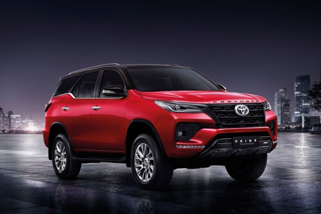 News of hot car 27/2: Toyota Fortuner 2021 added a 'super weapon' to 'defeat' Hyundai Santa Fe photo 1