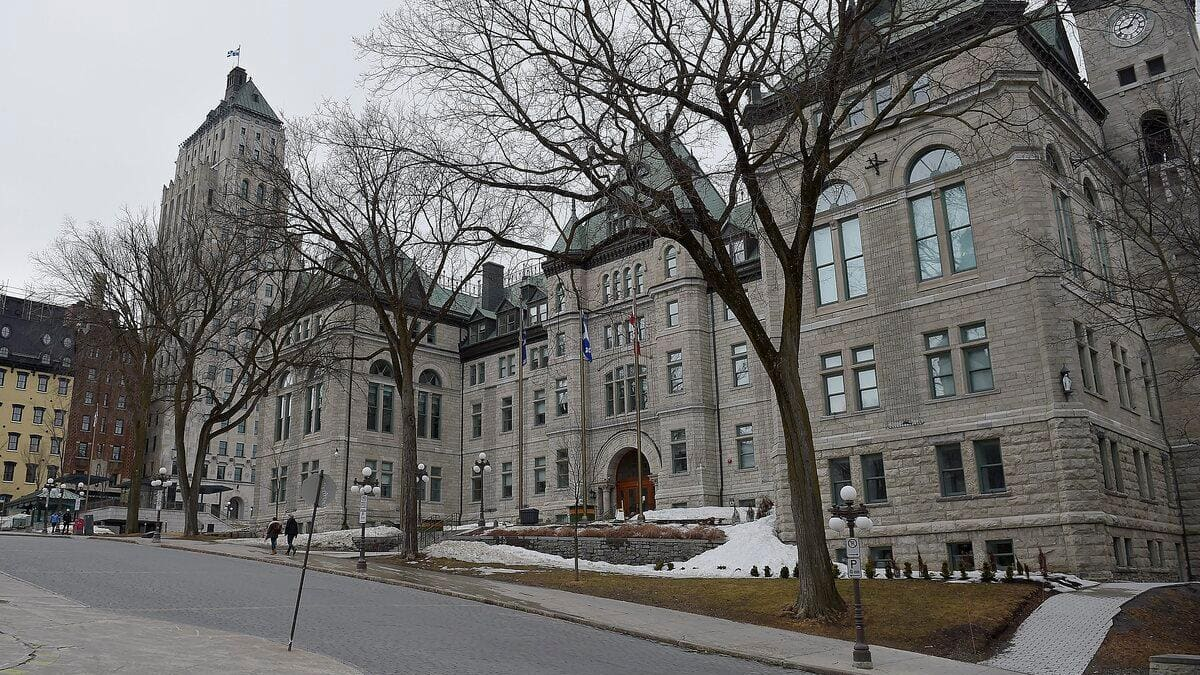 Teleworking in Quebec City's victory against white collar workers