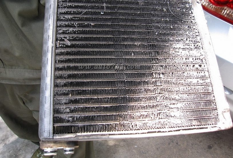 Detailed steps to properly wash the car radiator