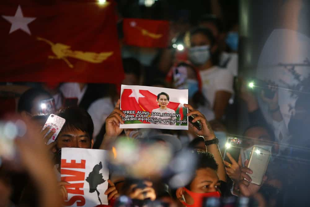 Tens of thousands of protesters protested the coup in Myanmar despite the Internet cut