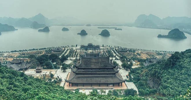 Close-up Tam Chuc Pagoda - The world's largest pagoda in Ha Nam province 3 minutes to read