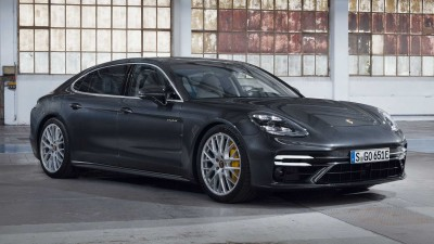 2021.03.24.  25,080 reads The most powerful Porsche Panamera's mouth-watering performance Autolog 44