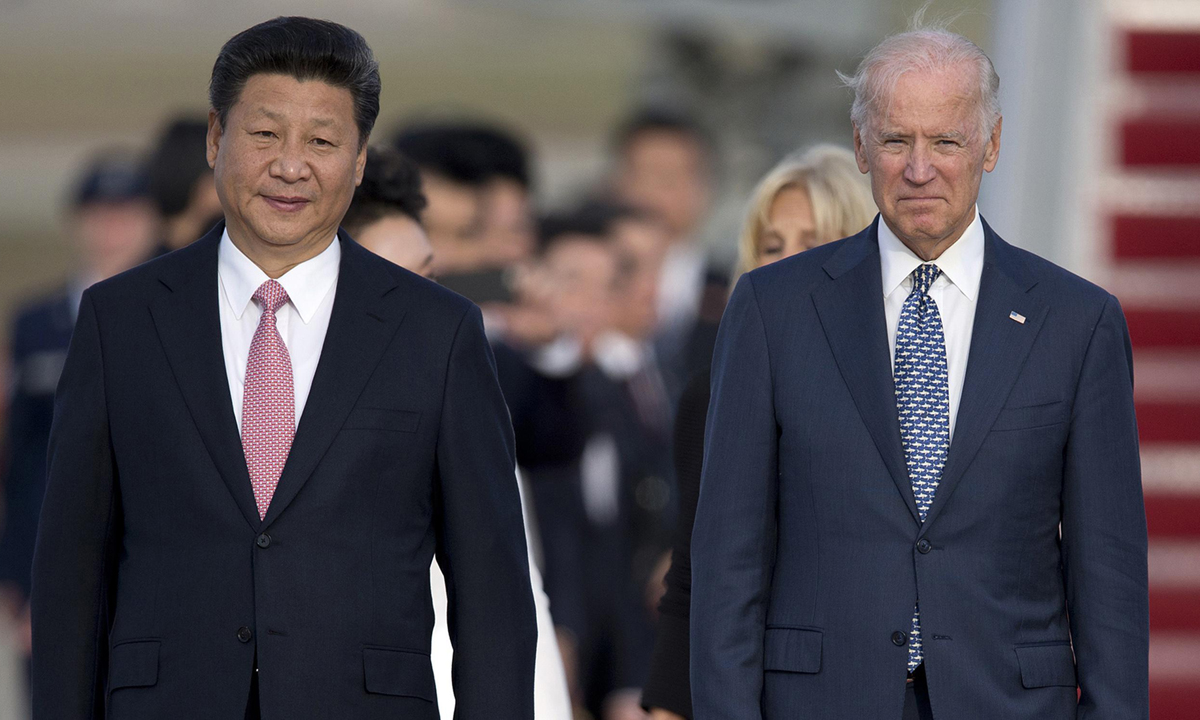President Xi Jinping (left) and Joe Biden, as vice president of the United States, in Maryland in September 2015.  Photo: AP.