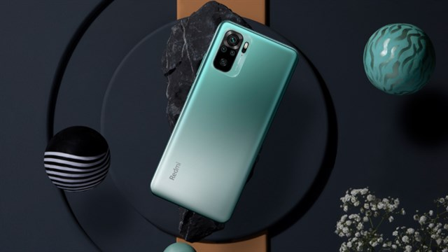 First impression Xiaomi Redmi Note 10: The design is not only beautiful, the AMOLED screen is more vivid, but the price starts from only 3.8 million *