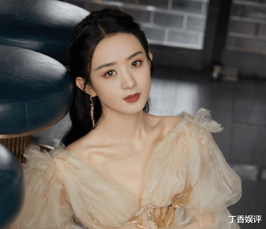 Zhao Liying attended offline events and showed her true appearance under the picture. I was stunned by the proportion of this figure.