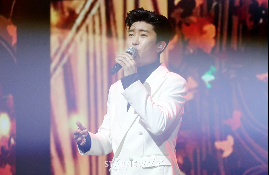 Lim Young-woong, overwhelmingly ranked 1st in the fan and star trot men's popularity ranking..17 weeks in a row